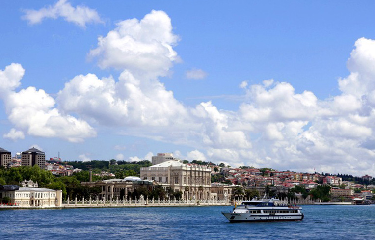 Bosphorus Cruise with Asian Side Dolmabahce Palace